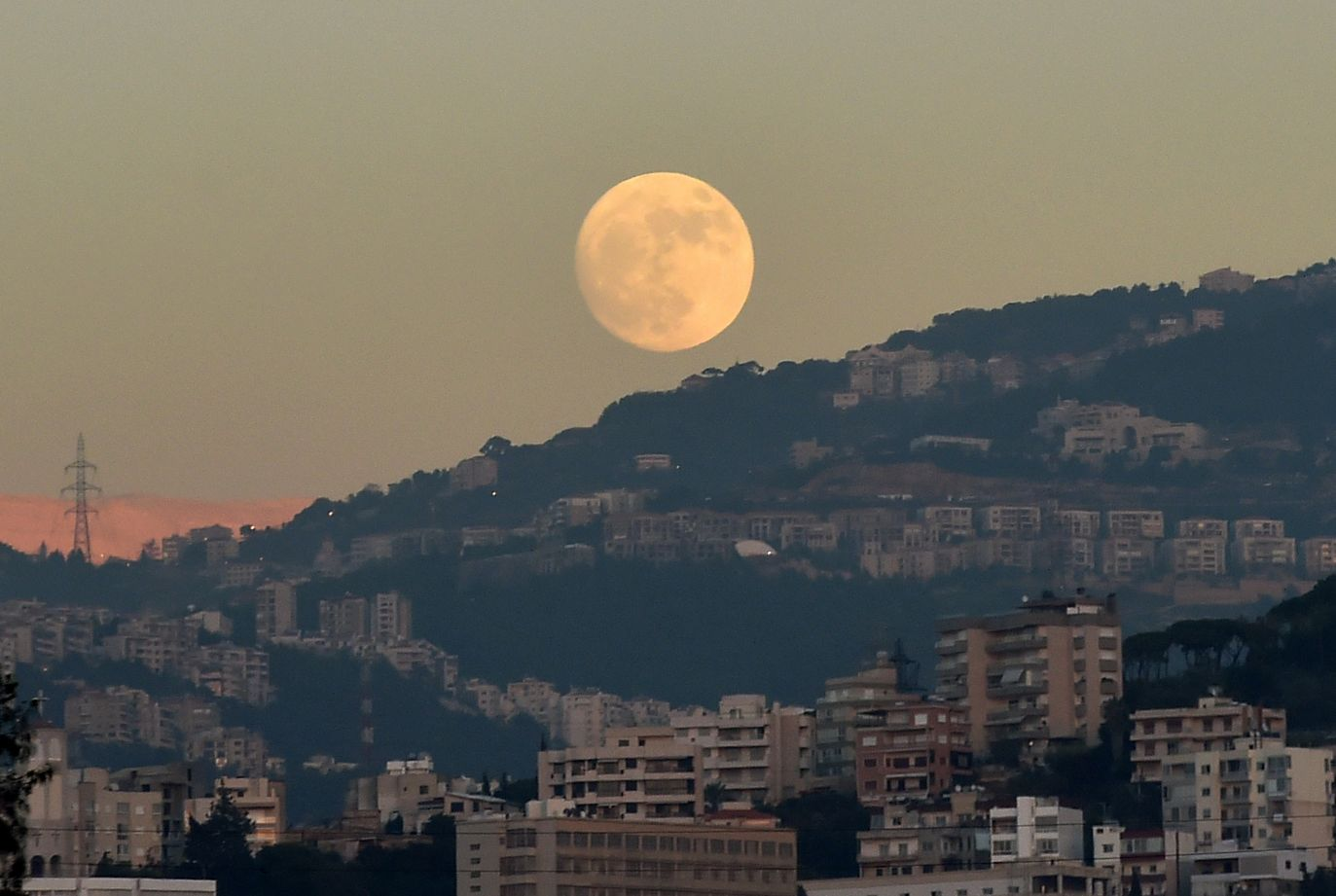 Liban (fot. PAP/EPA/WAEL HAMZEH)