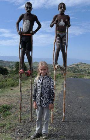 nela-w-egzotycznej-etiopii-ze-swoimi-rowiesnikami-fot-m-cwiek