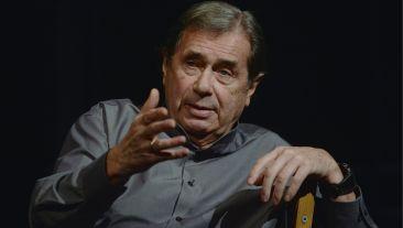Janusz Gajos na scenie (fot. TVP)