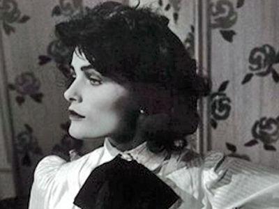 Coco Chanel Mała Czarna Perły I Perfumy Telewizja Polska Sa