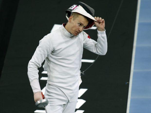 Szymon Staśkiewicz spadł po zawodach na basenie (fot. Getty Images)