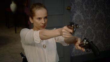 Magdalena Cielecka w scenie ze spektaklu (fot. I. Sobieszczuk)
