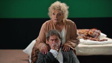W rolach głównych: Anna Seniuk i Janusz Gajos (fot. Jan Bogacz)