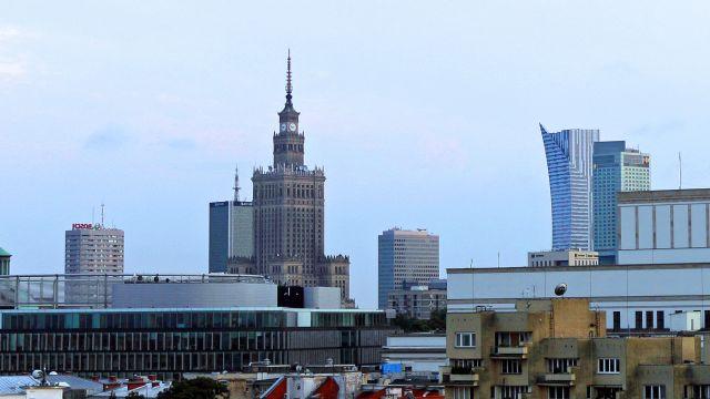 Urzędnik pozwie prezydent Warszawy. Ciąg dalszy afery reprywatyzacyjnej