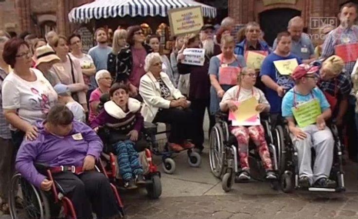 W pikiecie brały udział także osoby niepełnosprawne