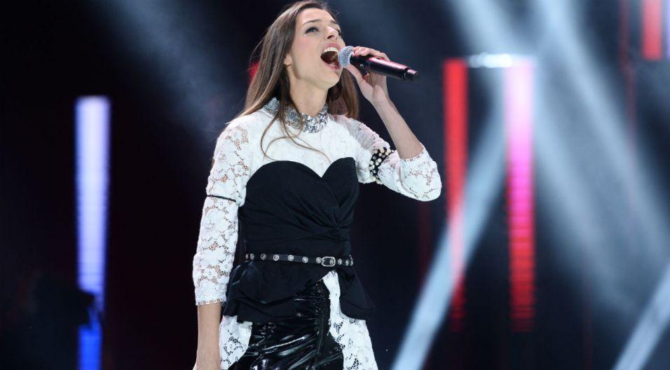 """Octavia KAY porwała publiczność wykonaniem """"Gdy zamykam oczy"""" (fot. TVP)"""