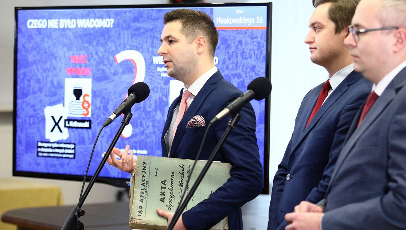 Kamil Zaradkiewicz przyznał, że w projekcie ustawy starano się stosować zasadę równości (fot. PAP/Leszek Szymański)