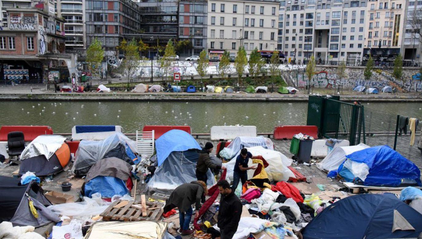 Znaczna część wydalanych osób pochodzi spoza UE (fot. Nedim /Anadolu Agency/Getty Images)