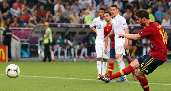 Xabi Alonso wykorzystał rzut karny w ostatniej minucie meczu (fot. Getty Images)