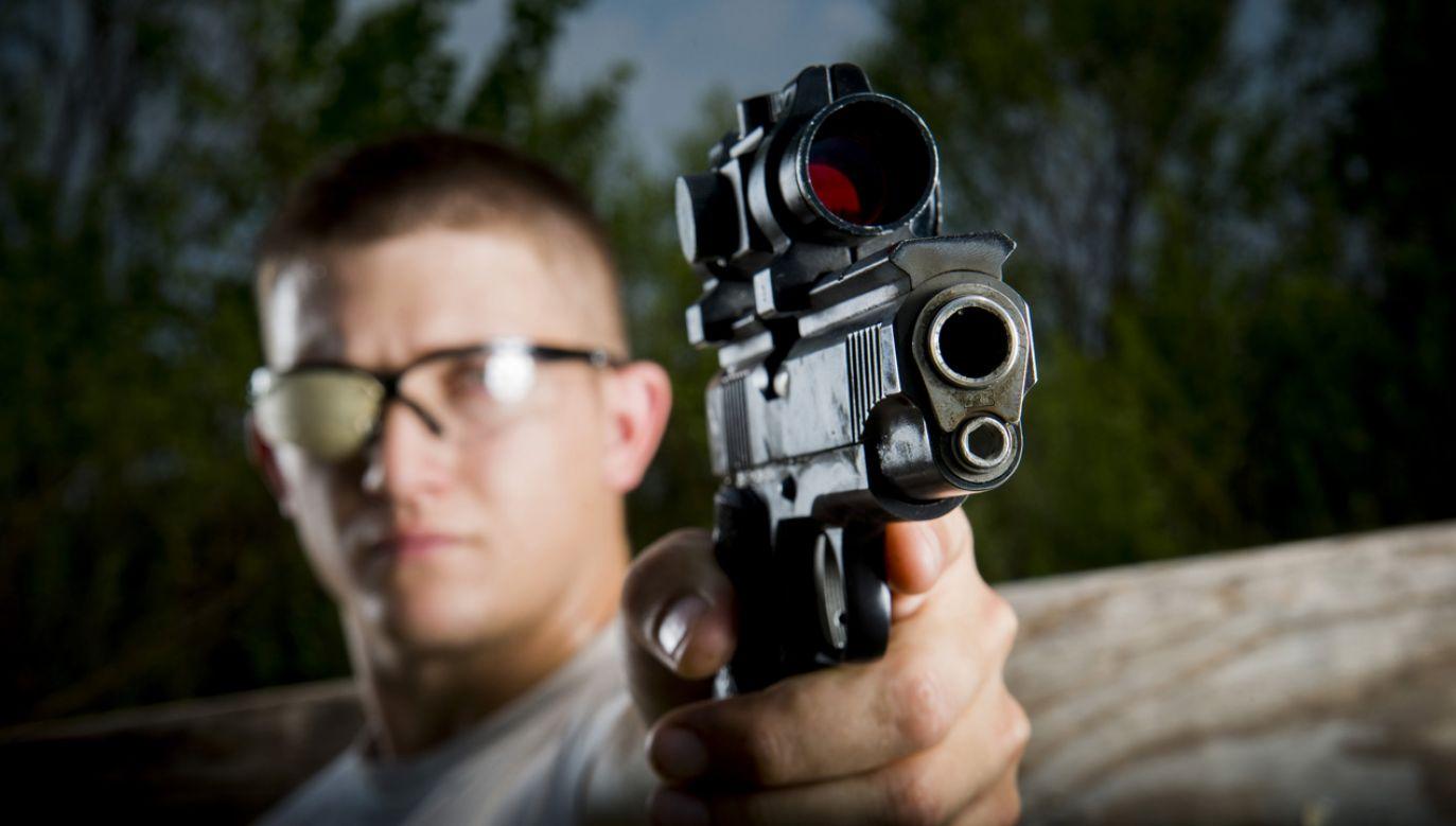 Rośnie liczba pozwoleń na posiadanie broni (af.mil/Staff Sgt. Jamal D. Sutter)