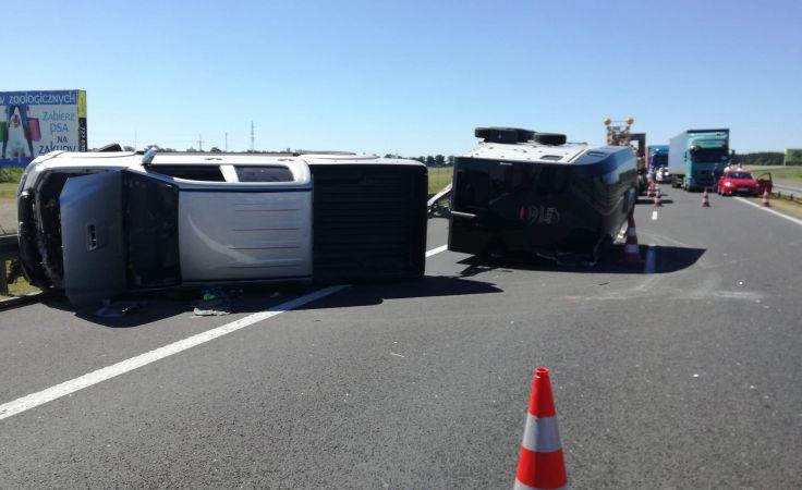 Auto przewróciło się koło Warlubia (fot. KP PSP w Świeciu)