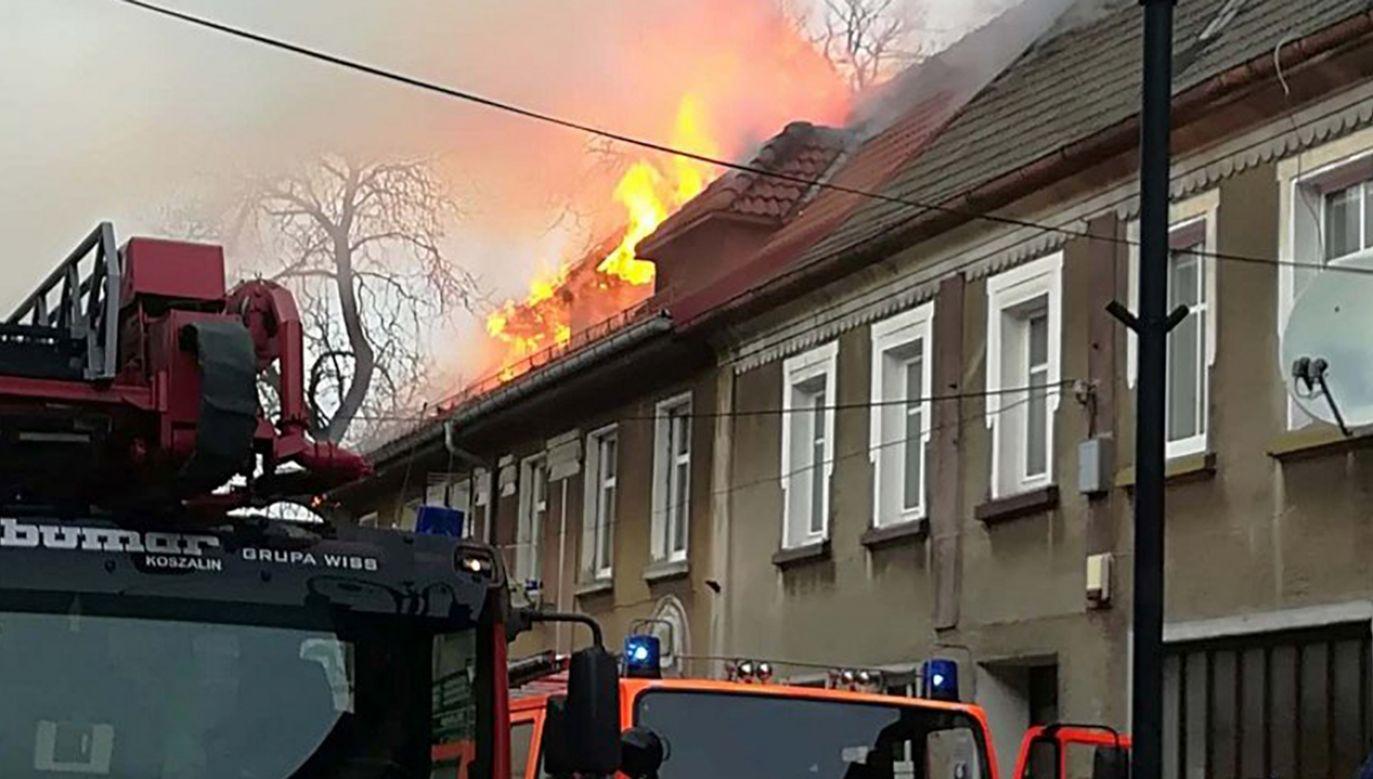 Pożar domu wielorodzinnego (fot. OSP Czaplinek)