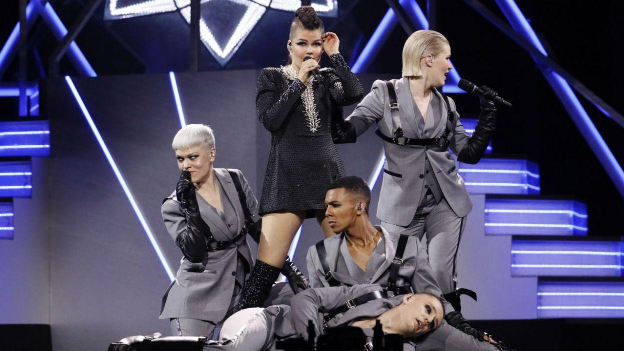 """Saara Aalto to jedna z najpopularniejszych fińskich artystek. Wykonanie utwóru """"Monsters"""" było bardzo widowiskowe! (fot. Andreas Putting/eurovision.pl)"""