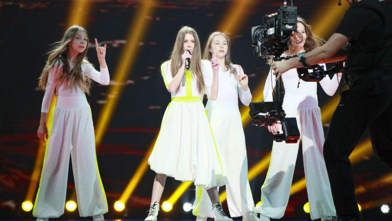 Roksana już pierwszego dnia na czerwonym dywanie została wybrana najlepiej ubraną młodą artystką. W czym zaprezentuje się w niedzielę? (fot. Andres Putting/Eurovision)