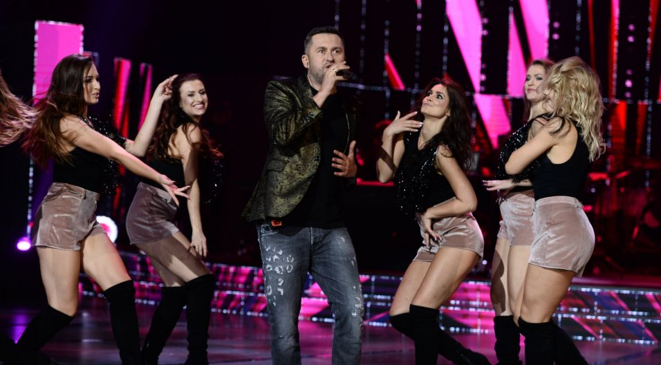 Pomagał im Norbi, który wystąpił również na scenie (fot. TVP)