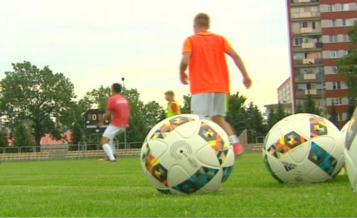 Piłkarze Resovii w sobotę zmierzą się ze Zniczem Pruszków