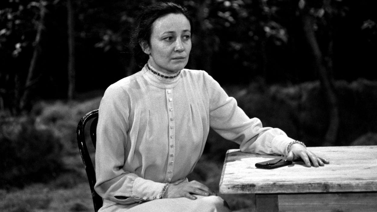 """Jako Anna Fiodorowna w """"Barbarzyńcach"""" (1981) Maksyma Gorkiego w reż. Aleksandra Bardiniego (fot. M. Stankiewicz)"""