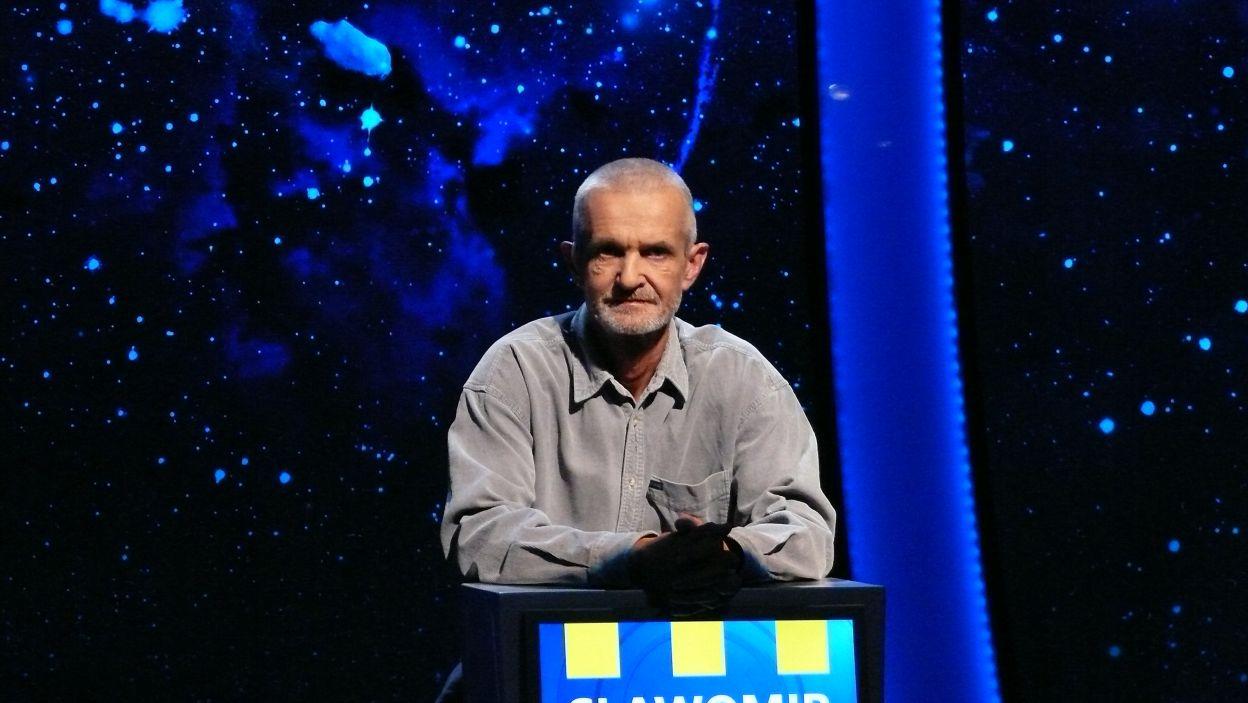 Pan Sławomir w napięciu czeka na ropoczęcie rozgrywki 8 odcinka 107 edycji