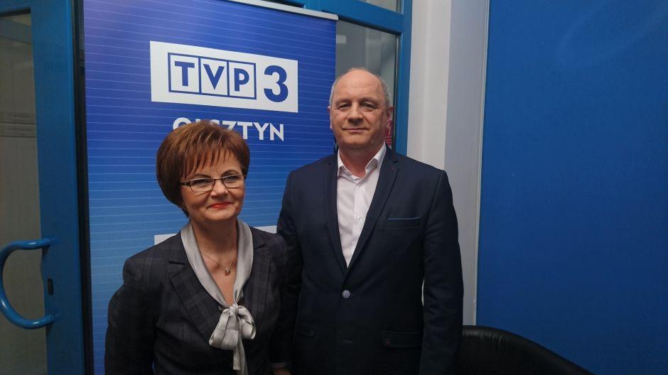 Prof. Małgorzata Suświłło, dziekan Wydziału Nauk Społecznych UWM oraz Marek Wąsik, dyrektor Szkoły podstawowej nr 37 w Olsztynie