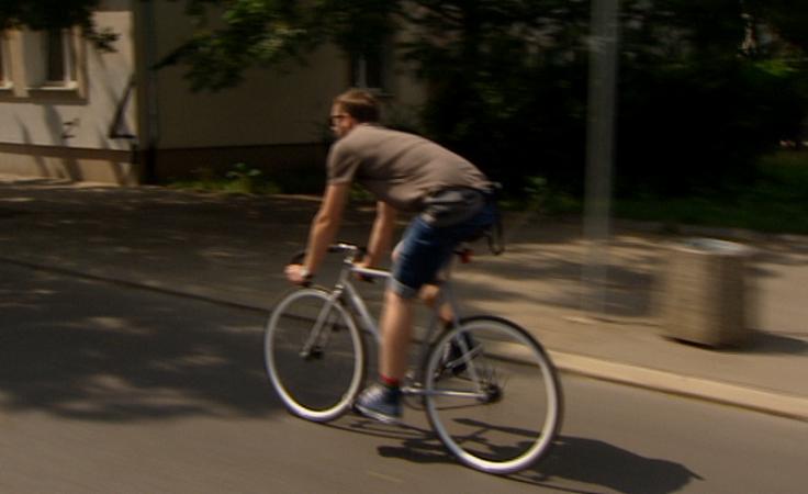 Śmierć rowerzystów. Jak zachować bezpieczeństwo na drodze?