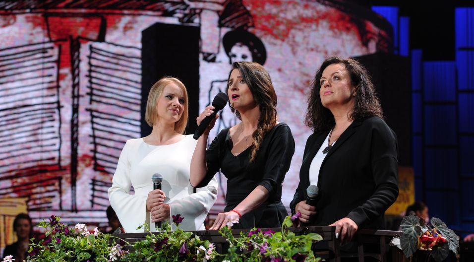 """Trzy Julie na jednym balkonie wołały """"O Romeo"""" (fot. J. Bogacz/TVP)"""