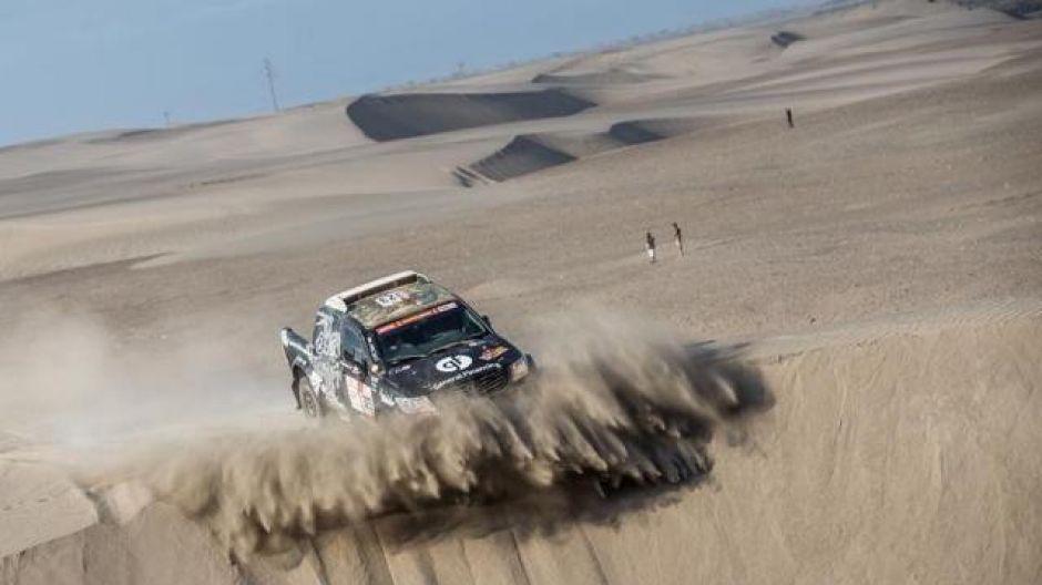 Vanagas i Rozwadowski podczas 5.etapu Rajdu Dakar ((fot. Facebook/Sebastian Rozwadowski)