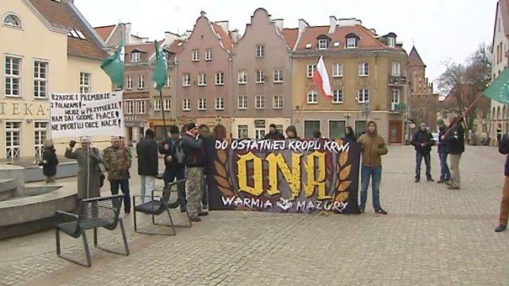 Protestujący sprzeciwiają się licznej migracji Ukraińców do Polski