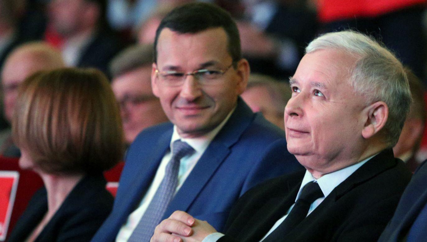 Premier Mateusz Morawiecki i prezes Jarosław Kaczyński (fot. arch.PAP/Stanisław Rozpędzik)
