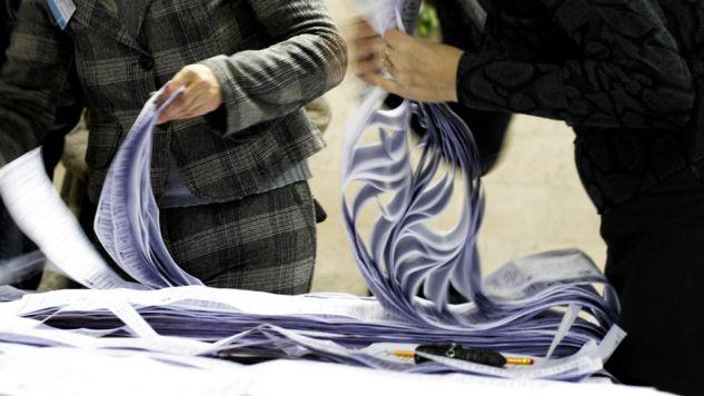 Zdaniem prezesa PiS jednomandatowe okręgi wyborcze w mniejszych miastach są rozwiązaniem, które budzi wiele patologii (fot. Flickr/Anna Woźniak)