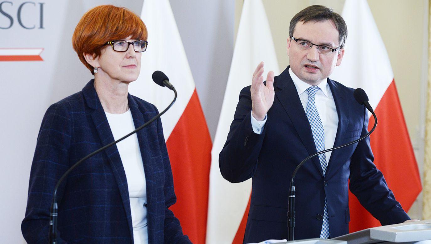 Elżbieta Rafalska i Zbigniew Ziobro (fot. PAP/Jacek Turczyk)
