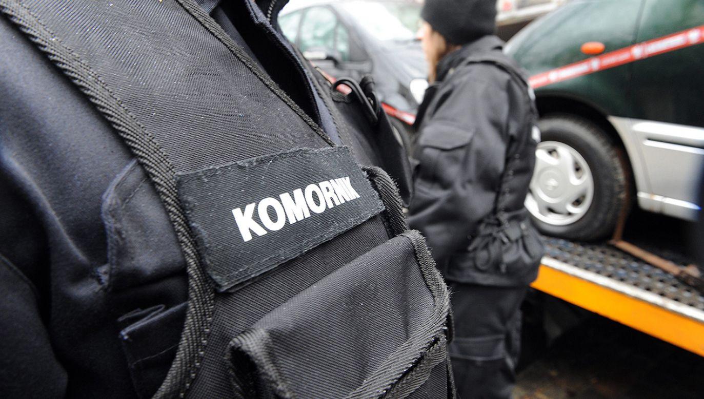Sąd Najwyższy nakazał zwolnić komornika z więzienia (fot. PAP/Marcin Bielecki)