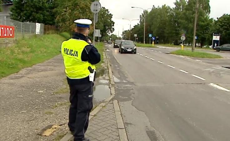 """Podczas akcji """"Kaskadowy pomiar prędkości"""" policjanci kontrolowali prędkość na drogach krajowych"""
