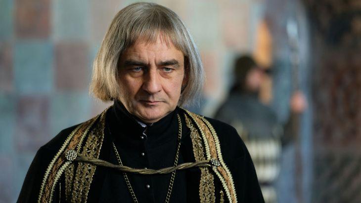 Biskup żądny władzy?