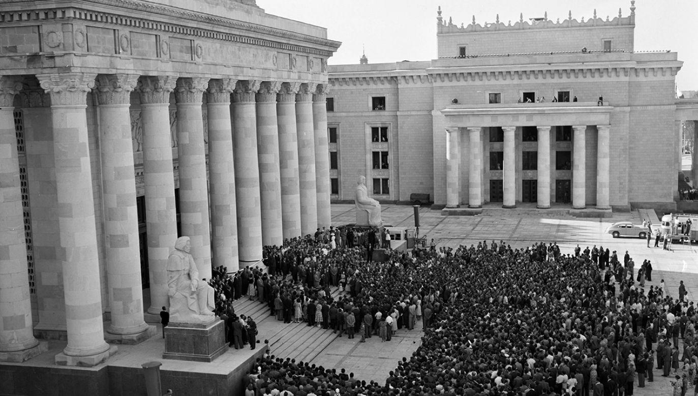 Uroczyste otwarcie Pałacu Kultury i Nauki im. Józefa Stalina. Warszawa, 22.07.1955 (fot. PAP/Jerzy Baranowski)