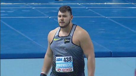Srebrnego medalistę, Michała Haratyka, Bukowiecki pokonał o 31 cm