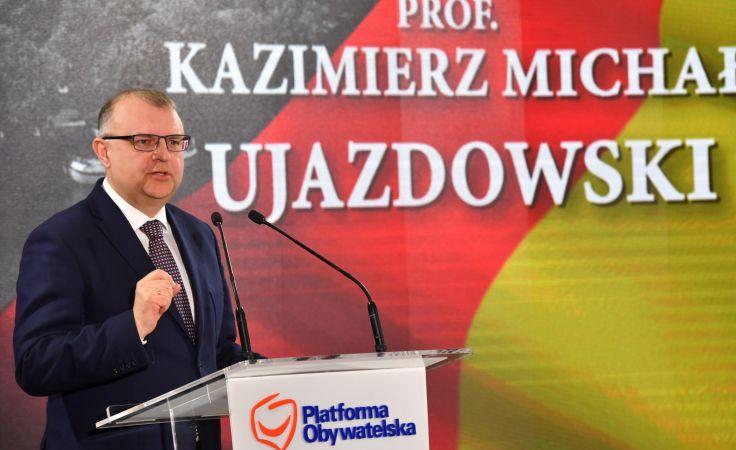 Kandydat PO na prezydenta Wrocławia, Kazimierz Michał Ujazdowski (fot. PAP/Maciej Kulczyński)