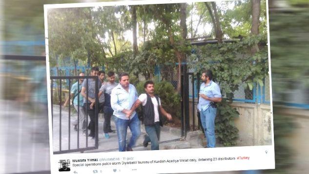 Dziennikarze zostali zatrzymani (fot. twitter.com/mustafaedib)