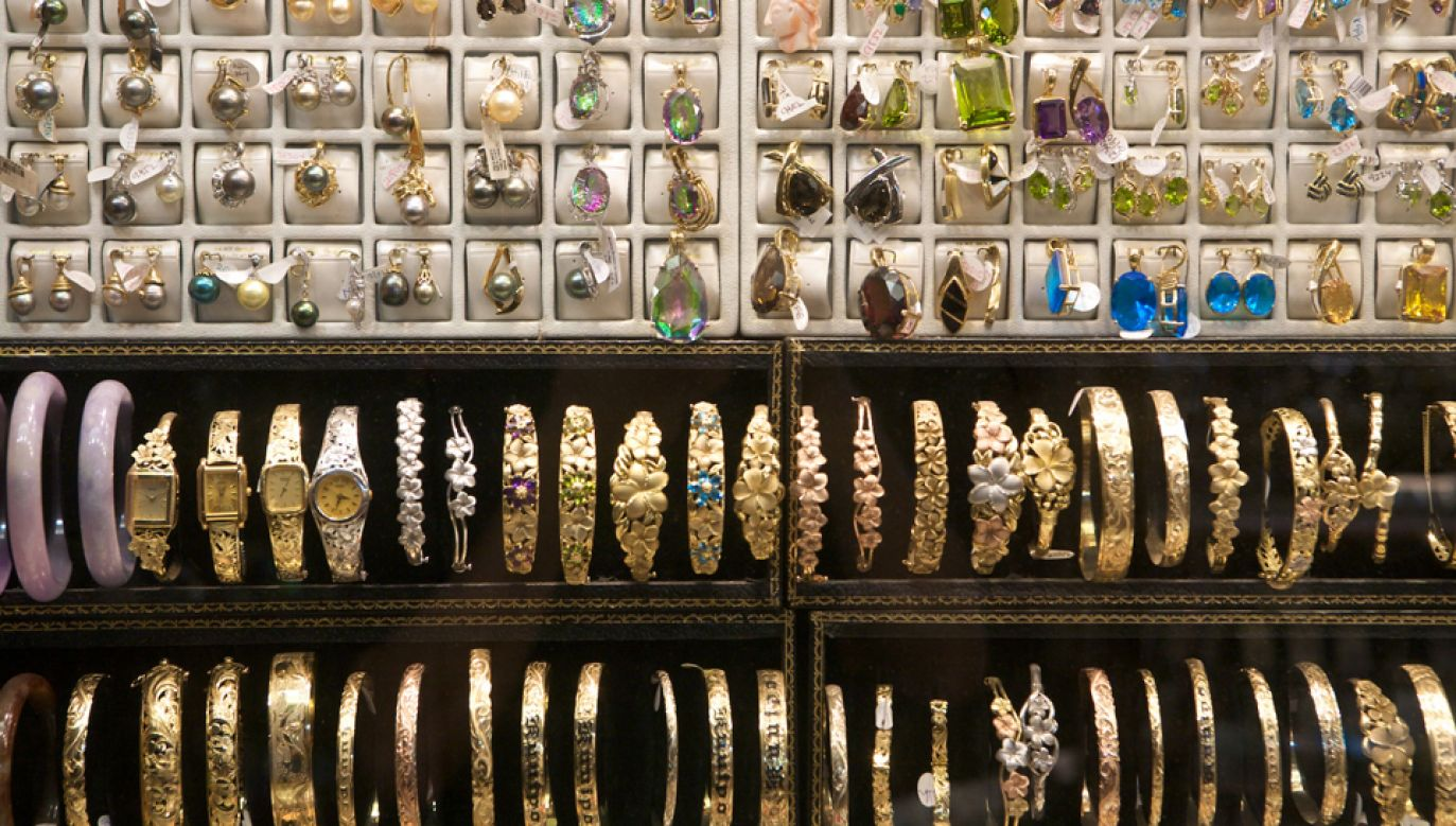 Łupem pracownicy sklepu były błyskotki za 230 tys. zł (fot.flickr)