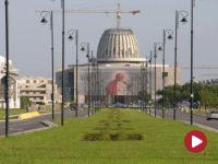"""""""Nie"""" dla finansowania Świątyni Opatrzności Bożej z budżetu kultury. Protest przed budynkiem Sejmu"""
