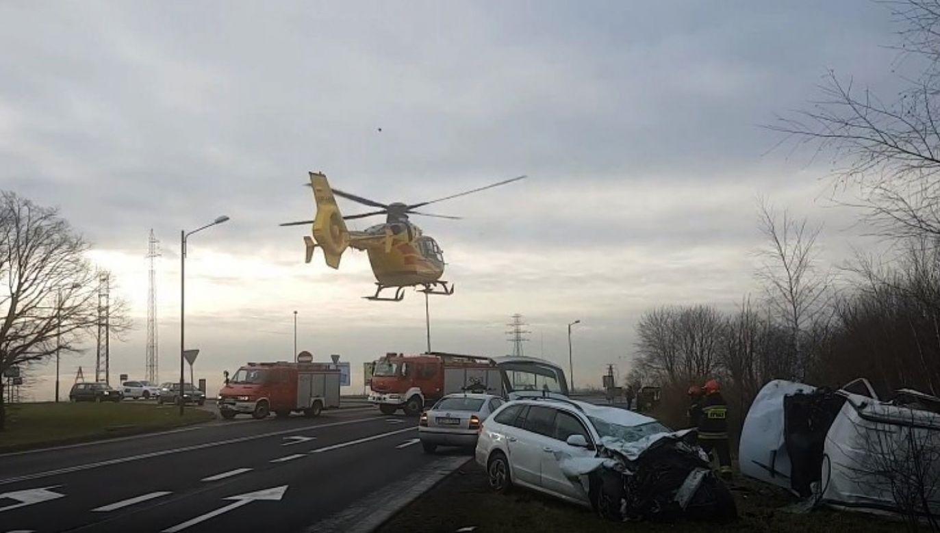 Jedna z poszkodowanych osób została przetransportowana do szpitala helikopterem (fot. Facebook/http://gliwice.naszemiasto.pl)