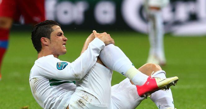Czescy piłkarze próbowali za wszelką cenę zatrzymać Cristiano Ronaldo (fot. Getty Images)