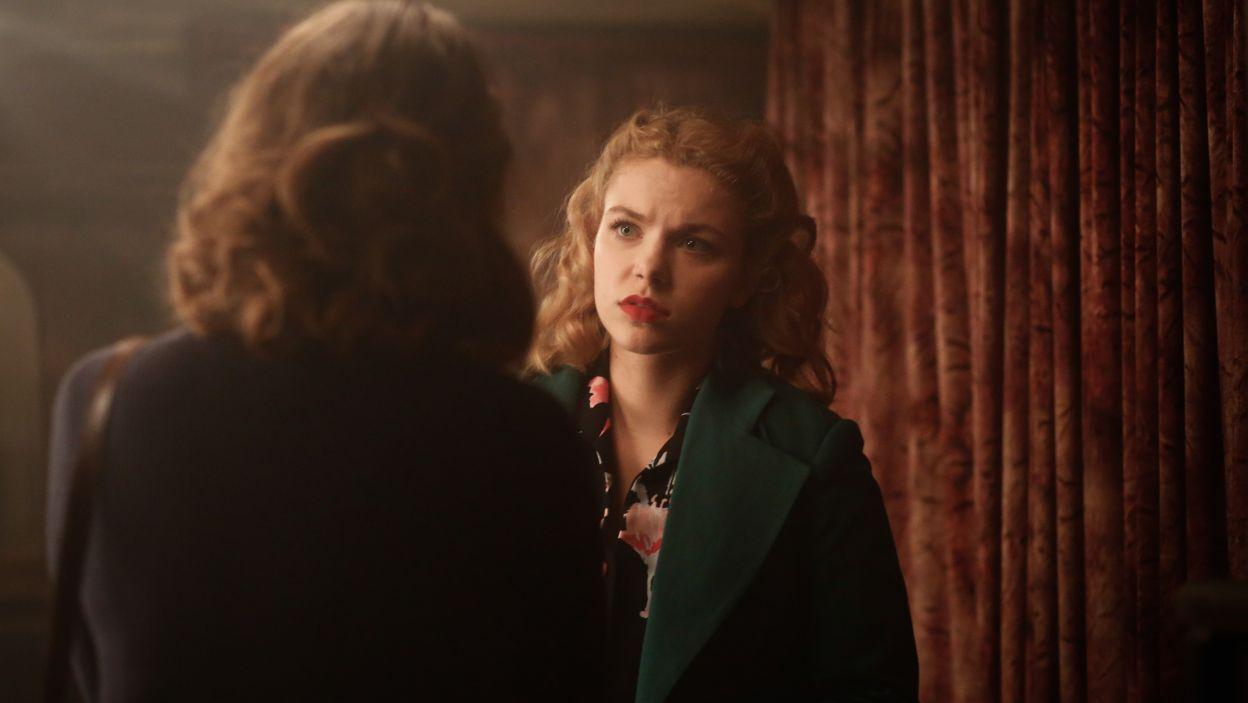 Tymczasem Ewka znów kłoci się z Witkiem o Klarę. Dziewczyna jest zazdrosna o panią major, czego mężczyzna nie potrafi zrozumieć (fot. TVP)