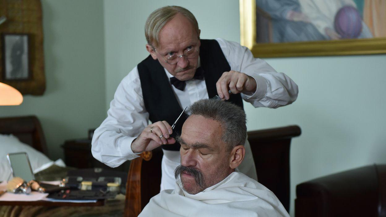 Artura Barcisia widzowie zobaczą w roli Fryzjera (fot. Ireneusz Sobieszczuk/TVP)