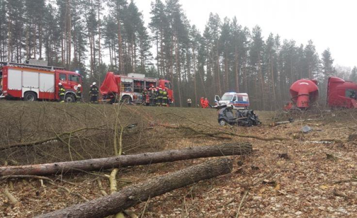 Do wypadku doszło na drodze krajowej numer 51 pod Stawigudą.