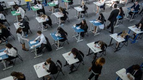 W regionie do egzaminu przystąpiło prawie 15 tys. osób (fot. PAP/Wojciech Pacewicz)
