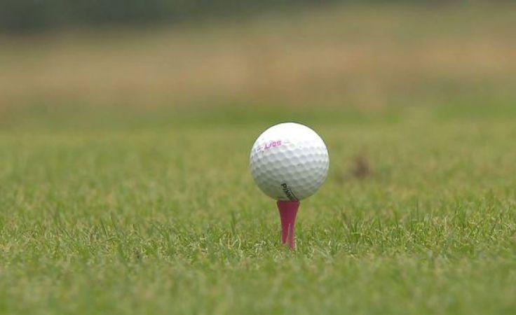 Poprzez grę w golfa przedłużają swoją przygodę ze sportem