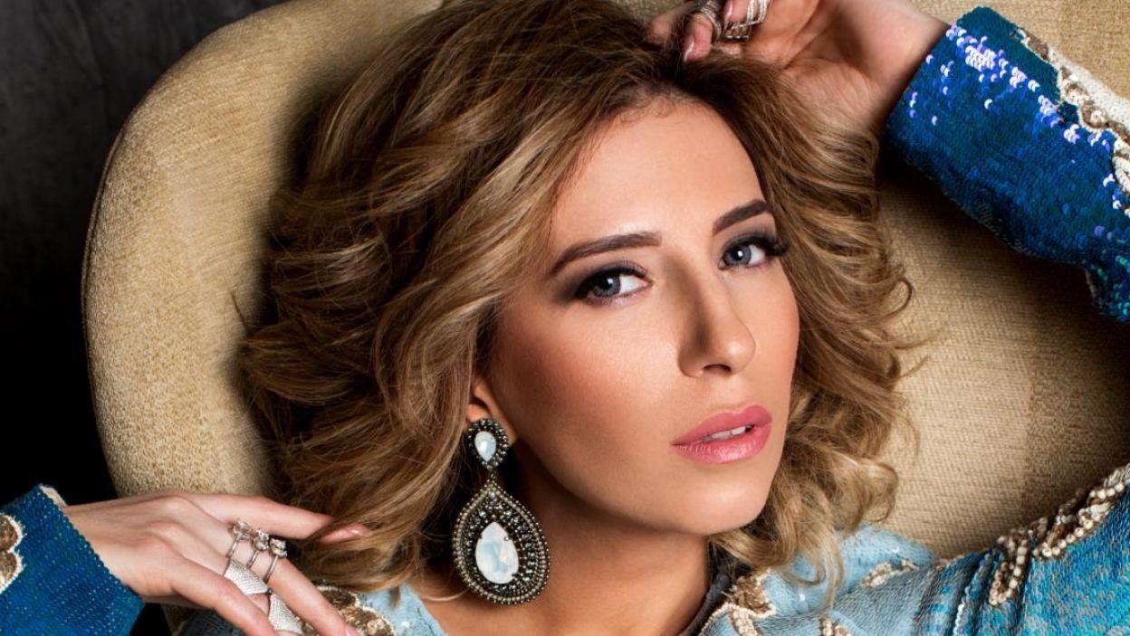 """Artsvik, Armenia, zdecydowała się związać swoją przyszłość z muzyką po wysłuchaniu w 1992 r. piosenki Whitney Houston z filmu """"The Bodyguard"""". Wykona utwór """"Fly With me"""" (fot. Eurovision.tv)"""