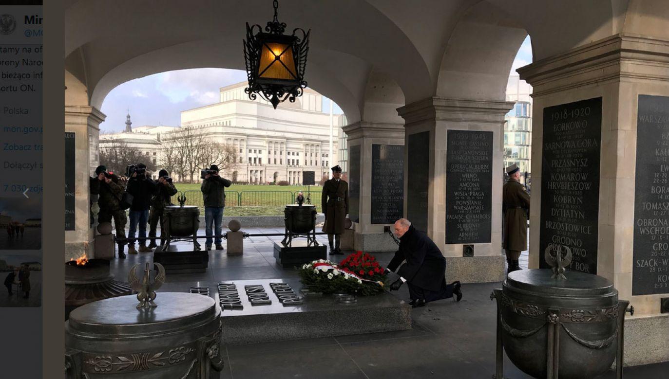 Uroczystość na pl. Piłsudskiego w Warszawie (fot. Twitter/MON)