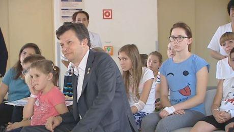 Rzecznik Praw dziecka z wizytą u małych pacjentów