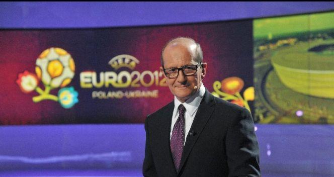 Prowadzący studio w czasie Euro 2012 Włodzimierz Szaranowicz (fot. TVP/Ireneusz Sobieszczuk)